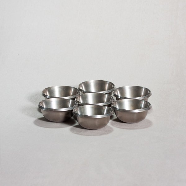 Set of Tibetan offering bowls made from high quality bronze : buy for your perfect buddhist altar from DharmaCraft's boutique