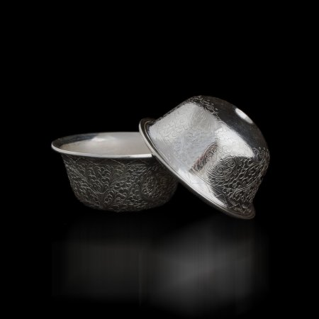 Set of Exclusive  Silver offering bowls — 7.6 cm