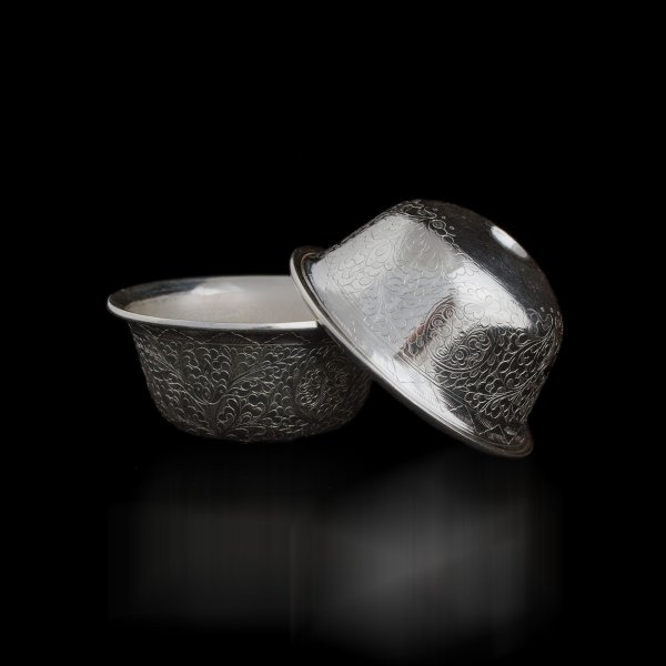 Set of 7 exclusive Silver Tibetan offering bowls for decorated with carving : buy from our perfect buddhist altar — DharmaCraft