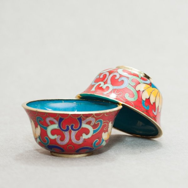 Tibetan buddhist altar: buy a set of small tibetan cloisonne offering bowls, red color — DharmaCraft buddhist boutique